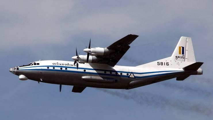 Die Armee von Myanmar besitzt Flugzeuge des Typs Shaanxi Y-8
