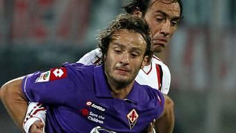 Gilardino im Zweikampf mit Milan-Verteidiger Nesta