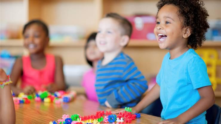 «Das interkulturelle Verständnis ist grösser als bei Kindern, die nicht mit zwei Sprachen konfrontiert sind», lautet eine Erkenntnis der Studie.
