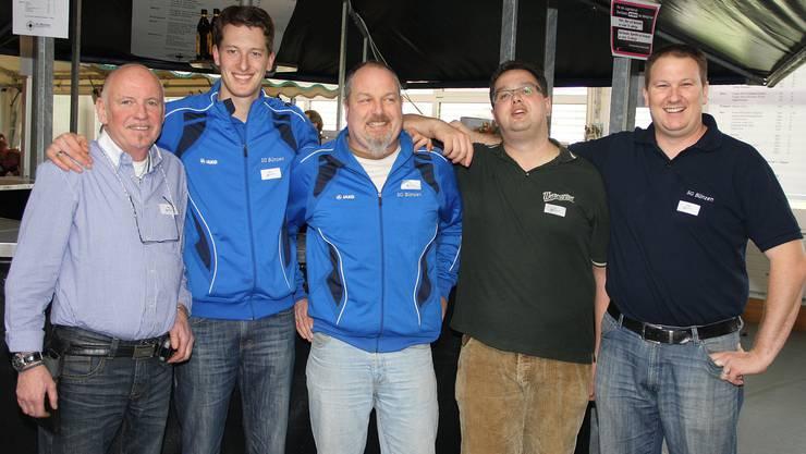 Der Vorstand der SG Bünzen konnte den Titel erfolgreich verteidigen (v.l.): Benno Frieden, Michael Seiler, Alwin Bosshard, Ivo Kanig und Philipp Moser; auf dem Bild fehlen Bruno Barmettler und Simone Stirnimann.