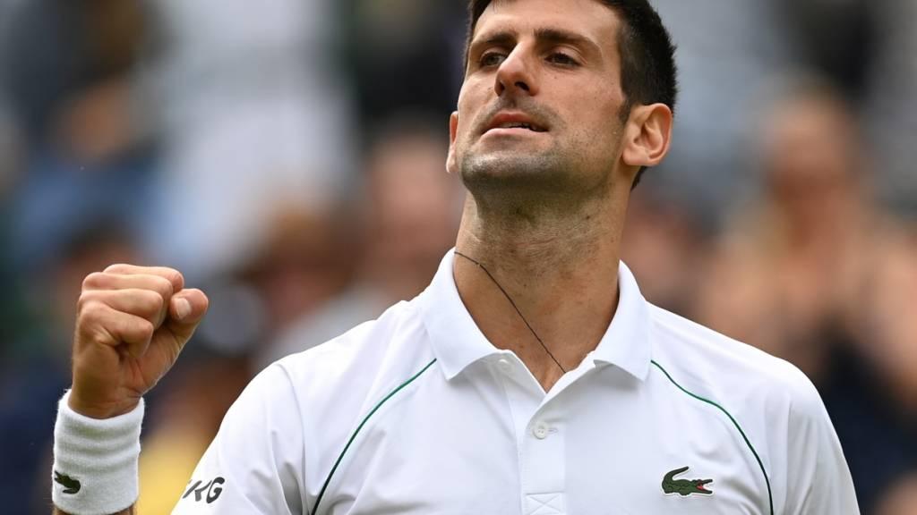 Djokovic problemlos in die Viertelfinals