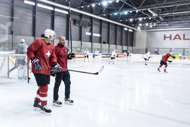 Der NHL-Spieler trainiert wie alle anderen schon fleissig mit.