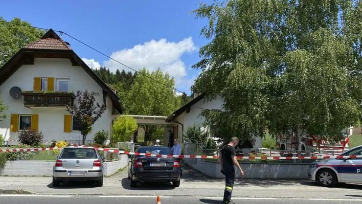 Eine 62-jährige Frau wurde in einem Haus in Wernberg (Kärnten) getötet. Kurz darauf wurde in einer nahen Ortschaft eine Frau auf offener Strasse erschossen. Die Polizei geht von ein und demselben Täter aus.
