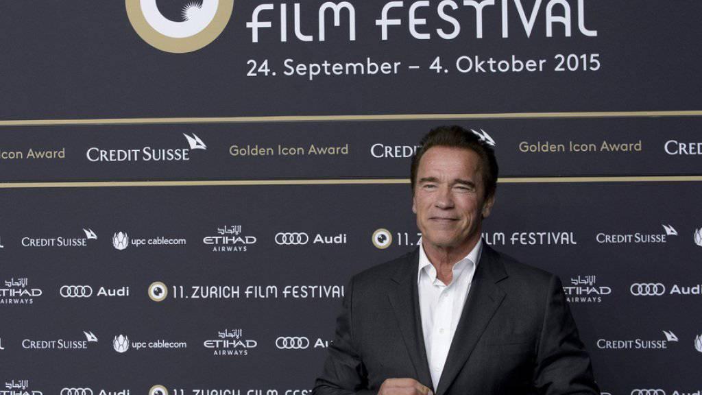 Der amerikanisch-österreichische Schauspieler Arnold Schwarzenegger ist am Zurich Film Festival am Mittwochabend in Zürich für sein Lebenswerk ausgezeichnet worden.