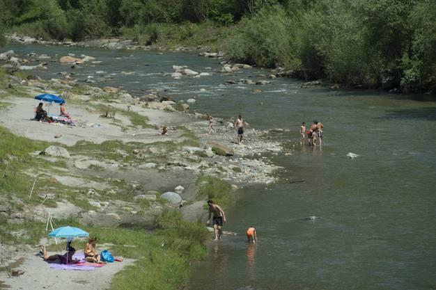 Wer der Masse ausweichen will, versuchts im Fluss...