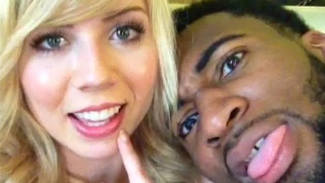 Bild aus glücklichen Tagen: McCurdy und Drummond machen ein Selfie.