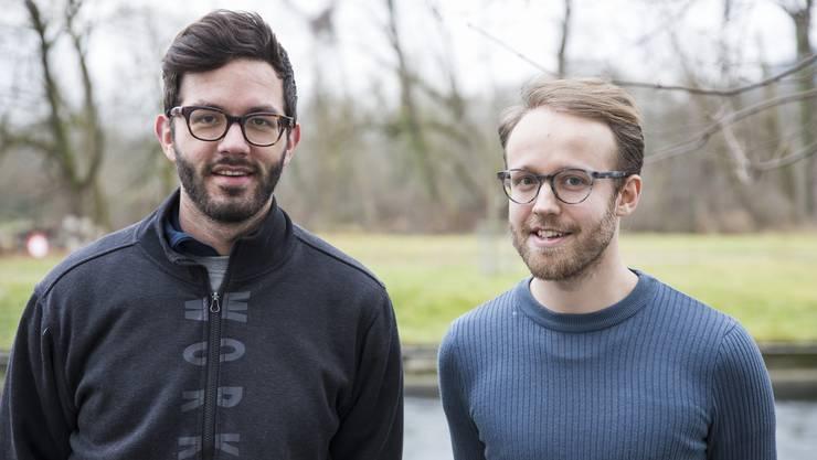 Zusammen mit Polymechaniker Florian Froelich (links) aus Nussbaumen baut Louis Hofer für eine interdisziplinäre Projektarbeit eine Harfe.