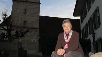 Jeanne Hauri vor der reformierten Kirche in Schöftland. Christine Wullschleger