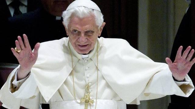 Papst Benedikt XVI. wird am 12. Dezember zum ersten Mal twittern (Archiv)