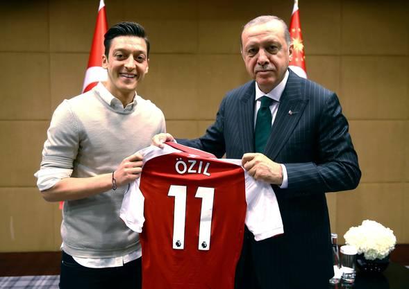 PR-Narr: Mesut Özil im Mai 2018 mit Recep Tayyip Erdogan.