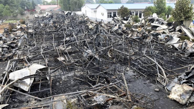 Überreste des Altersheims nach dem Feuer