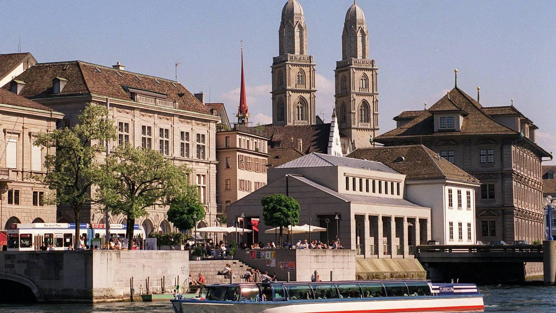 Die Stadt Zürich verschärft als erste grosse Stadt der Deutschschweiz auf Gemeindeebene die Maskenpflicht.