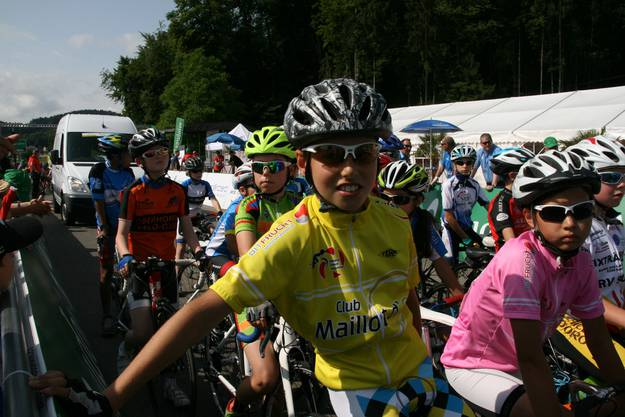 Jan Christen (11) aus Gippingen im Maillot Jaune am Start