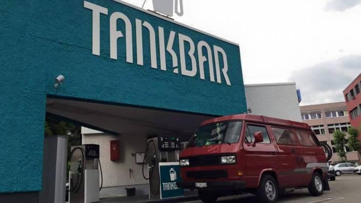 Seit Sommer 2015 ist sie geöffnet: die Tankstelle Tankbar der Fislisbacher Brüder Haslimeier. (Archiv)