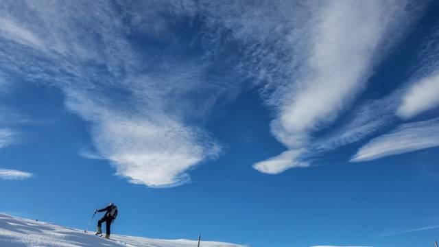 Mildes Frühlingswetter: Skitour bei Föhn ob Arosa (Archiv)