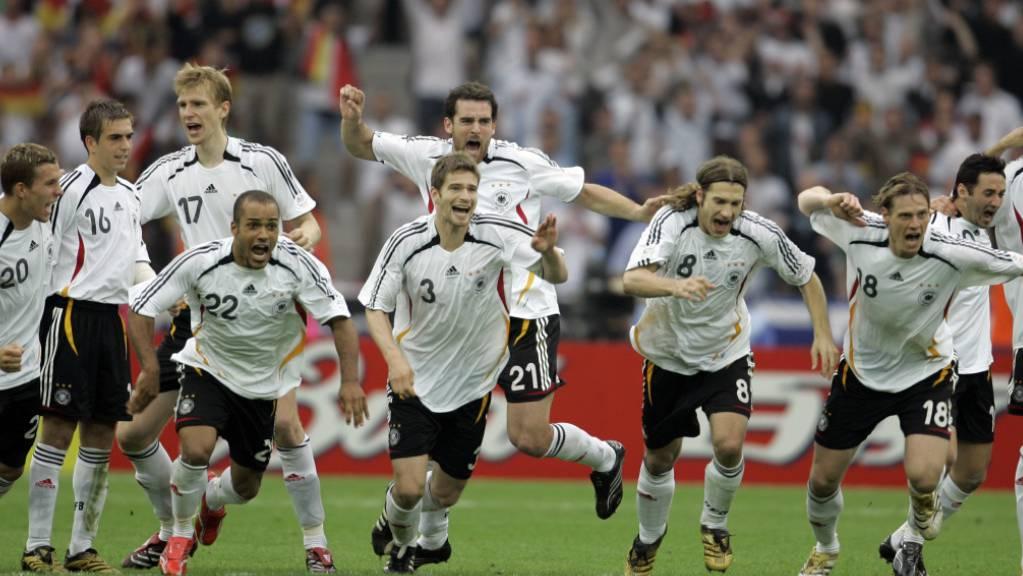 Die deutschen Penaltyschützen gaben sich keine Blösse. Oliver Neuville, Michael Ballack, Lukas Podolski und Tim Borowski waren allesamt erfolgreich