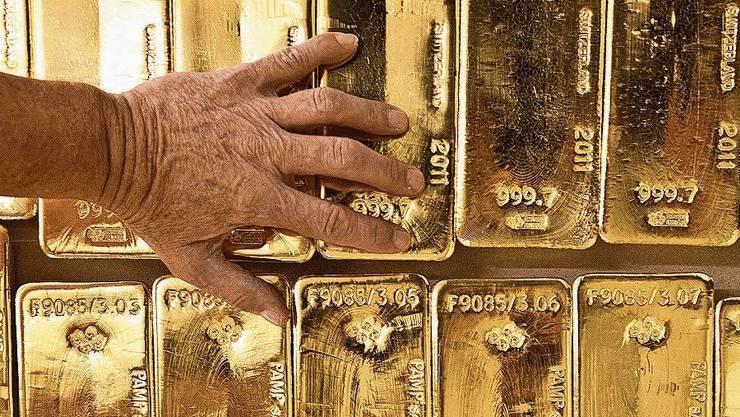 Goldbarren im Tresorraum der Zürcher Kantonalbank.