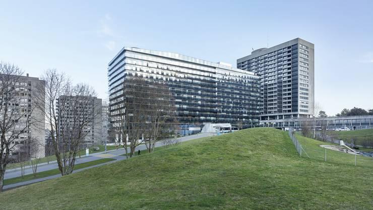 Die Stadtspitäler Waid und Triemli (Bild) sind gemäss Stadtrat im Wettbewerb mit anderen Spitälern benachteiligt.