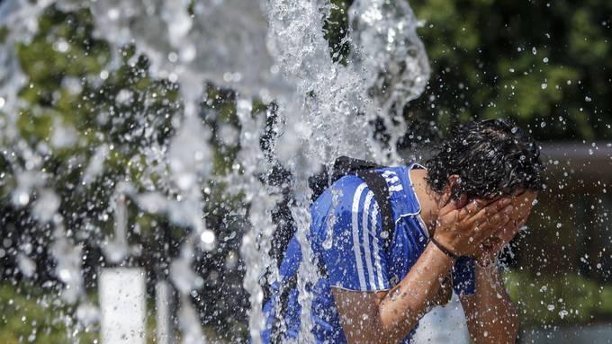 In Hitzeperioden wie jener im Juli 2019 haben die Notfallabteilungen der Spitäler mehr zu tun.