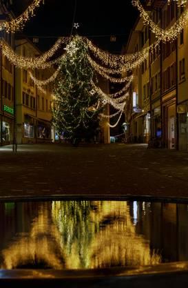 Noch ist es ruhig in der Altstadt von Bremgarten. Der Weihnachtsmarkt steht vor der Tür.