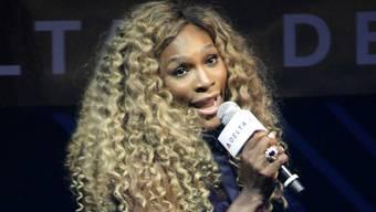 Sie will beim US Open für die Musik sorgen: Serena Williams am Mittwoch bei einer Karaoke-Veranstaltung in New York. Key