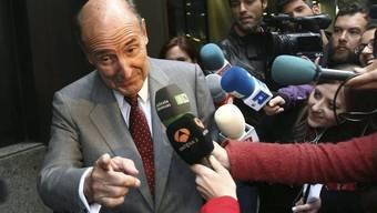 Belagert von Medienschaffenden: Der Verteidiger von Königstochter Cristina, Miquel Roca