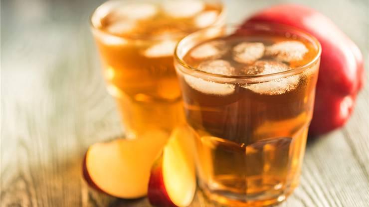 Durch die Vielfalt der Apfelsorten gibt es eine ganze Palette von süsslichen, würzigen und säuerlichen Ciders. Shutterstock