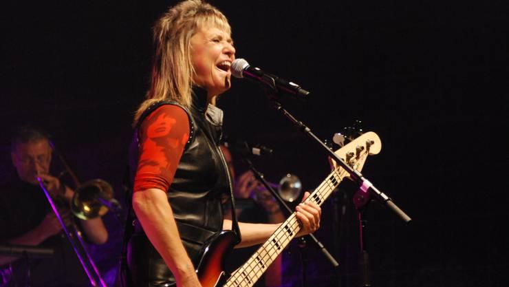 Kein bisschen leise: Auch Suzi Quatro ist älter geworden, doch die legendäre Rock-Göre vermag das Publikum nach wie vor zu begeistern.