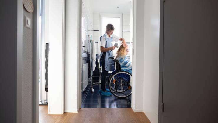 Der Assistenzbeitrag ermöglicht Menschen mit Behinderung ein selbständigeres Leben. (Symbolbild)