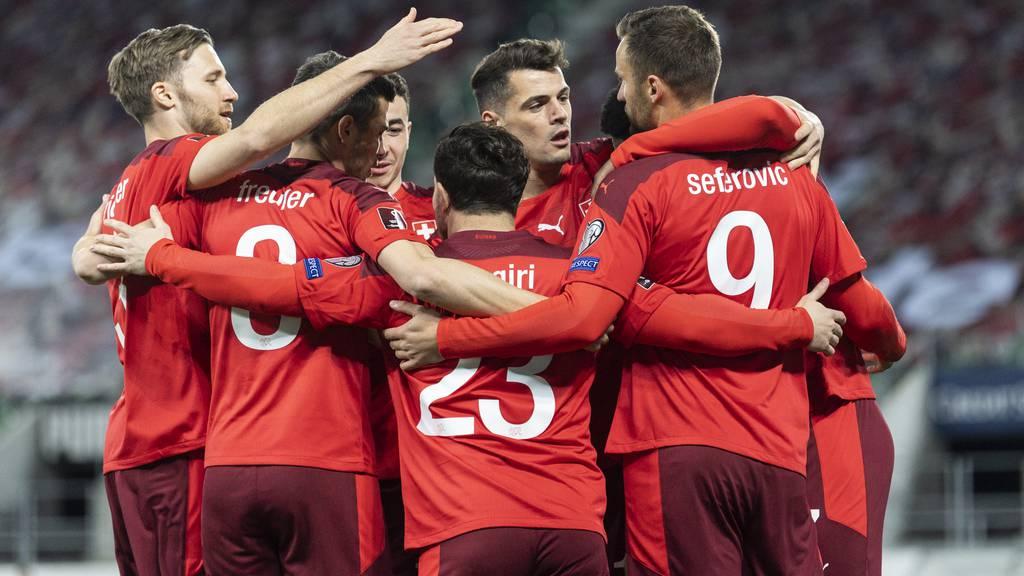 Die Nati jubelt nach dem ersten und einzigen Tor gegen Litauen am Sonntagabend.