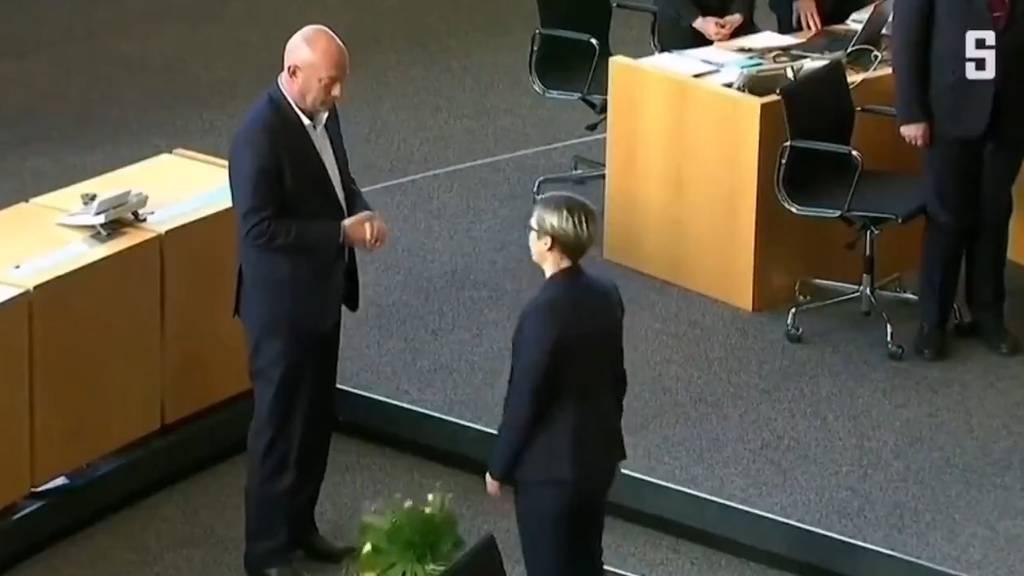 Wahl-Krise in Deutschland: Kemmerich gibt Amt schon wieder ab