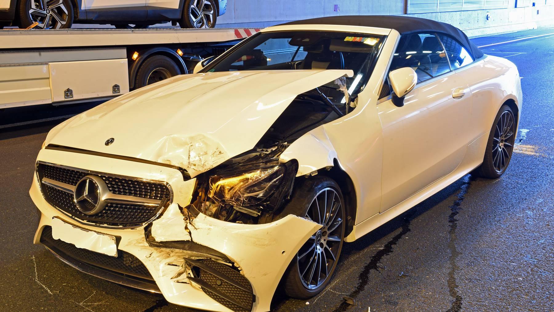 Beim Unfall entstand ein Sachschaden von über 50'000 Franken.
