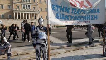 Griechische Demonstranten setzen ein Zeichen
