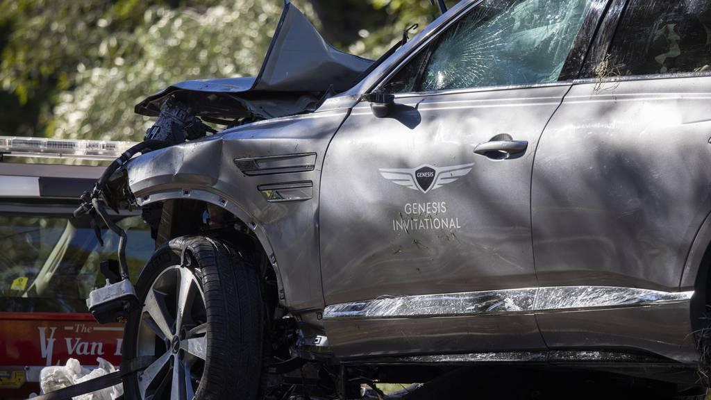 Tiger Woods nach Unfall mit Trümmerbrüchen im Spital