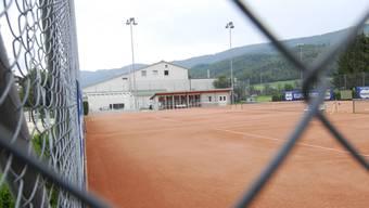 Die Plätze des TC Tela in Balsthal im Moos müssen saniert werden.