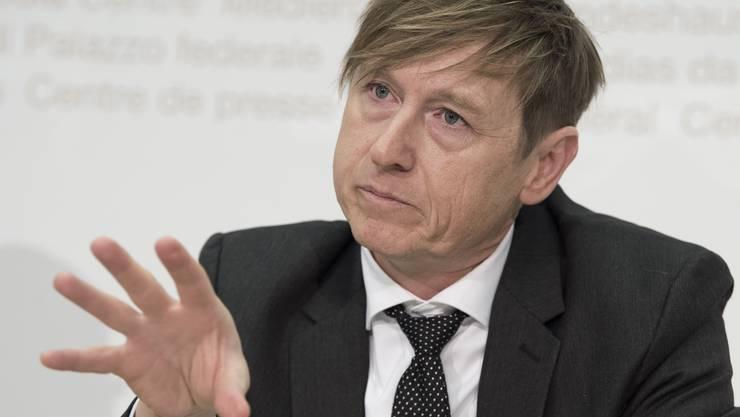 Der Preisüberwacher Stefan Meierhans fordert vom öffentlichen Verkehr zeitgemässe Tarifmodelle und Abonnemente.