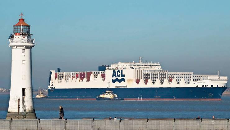 Das Containerschiff Atlantic Sea wird von 22 Besatzungsmitgliedern.