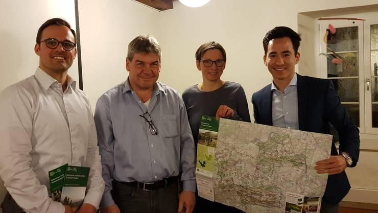 David Stirnemann (Vorstand FDP Erlinsbach), Thomas Vetter (Präsident Jurapark Aargau), Christine Neff (Geschäftsführerin Jurapark Aargau), Yannick Berner (Fraktionspräsident FDP Einwohnerrat Aarau)