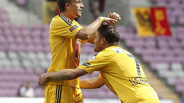 Luzerns Daniel Gygax (links) feiert seinen Treffer