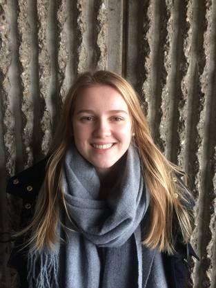 Lea Born, 16, Kappel: «Mich stört die Kälte, da man sich immer so dick einpacken muss und nicht lange draussen bleiben kann, ohne zu frieren. Ausserdem ist es mühsam, dass es auf den Strassen so rutschig ist und man so vorsichtig gehen muss. Ich freue mich schon auf den Sommer!»