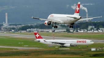 Eine EU-Regel besagt: Airlines müssen 80 Prozent der Flüge durchführen, sonst verlieren sie die entsprechenden Lande- und Startrechte.