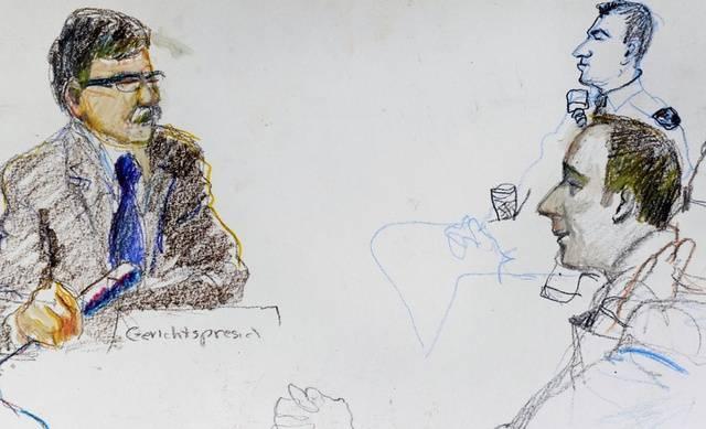 Gerichtspräsident Peter Rüegg, links, und der Angeklagte Daniel H., rechts Mitte (Archiv)