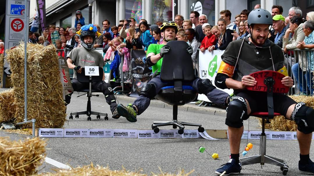 Das schrägste Rennen der Welt: Bei der Bürostuhl-WM in Olten