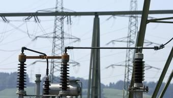Der Stromverbrauch pro Kopf soll bis 2045 nicht zunehmen. Dies dürfte allerdings schwierig zu bewerkstelligen sein. (Symbolbild)