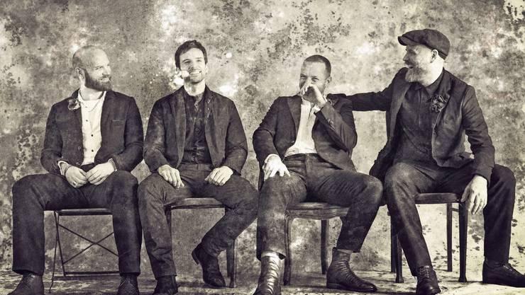 Wie aus einer anderen Zeit: Coldplay vermarkten sich rührend altmodisch. Bild: Meike Kock/Warner Music