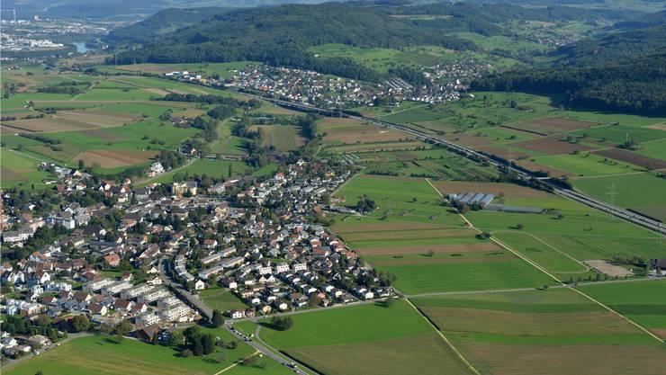 Die zusätzliche Autobahnausfahrt würde wohl zwischen Möhlin (Vordergrund) und Mumpf errichtet.