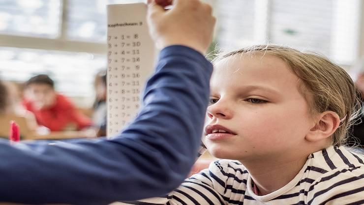 Der Gegenvorschlag will nicht die Klassengrösse reduzieren, sondern den Lehrerpool aufstocken.