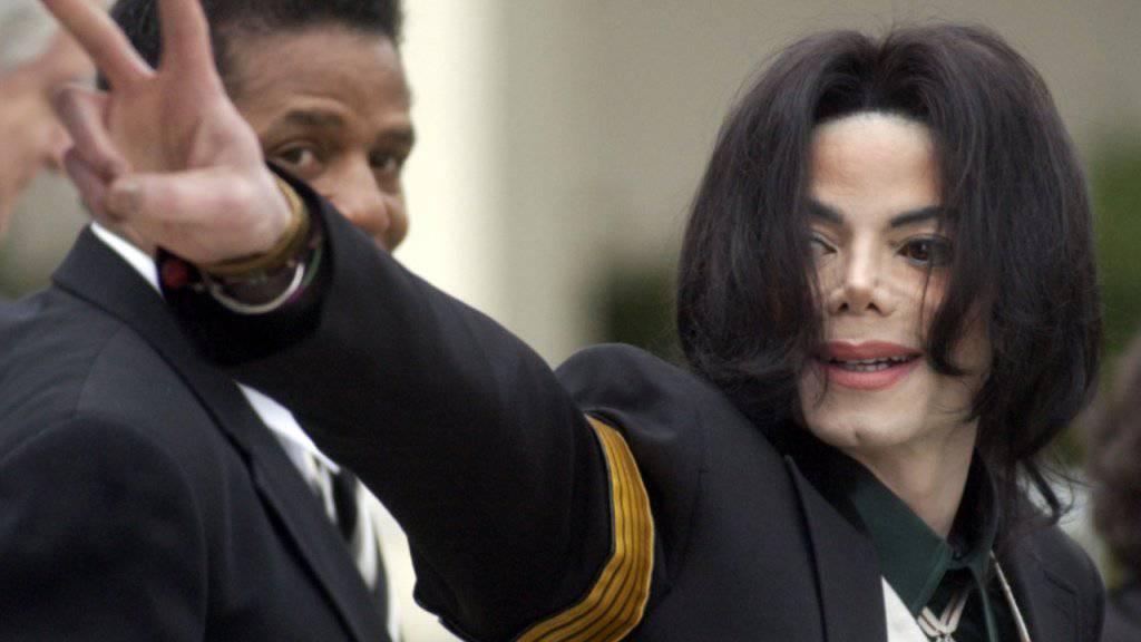 Der SRG-Ombudsmann stützt das Anfang April in der Schweiz ausgestrahlte Themenpaket zu den Missbrauchsvorwürfen an Michael Jackson. Alles in allen sei die Berichterstattung sachgerecht gewesen. (Archivbild)