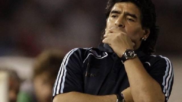 Bitterböse Schlappe für Argentiniens Coach Maradona