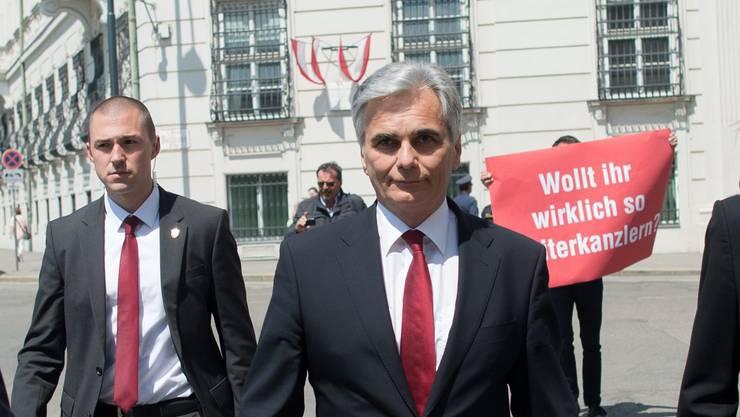 Seit Wochen mit Rücktrittsforderungen konfrontiert: Österreichs Kanzler Faymann.